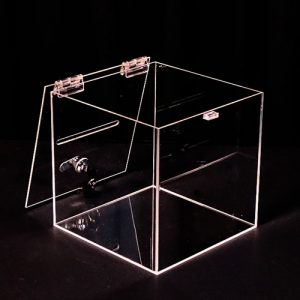 Műanyag adománygyűjtő doboz